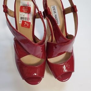 NWT Steve Madden Patent Leather Wedges